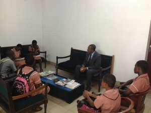 students meeting with Senior Divisional Officer