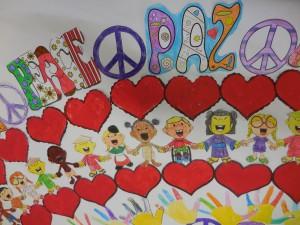 Parte de un cártel de los niños de un colegio bilingüe en la Comunidad de Madrid para el día de la paz